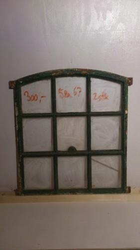 Gamle staldvinduer – Bordben jern